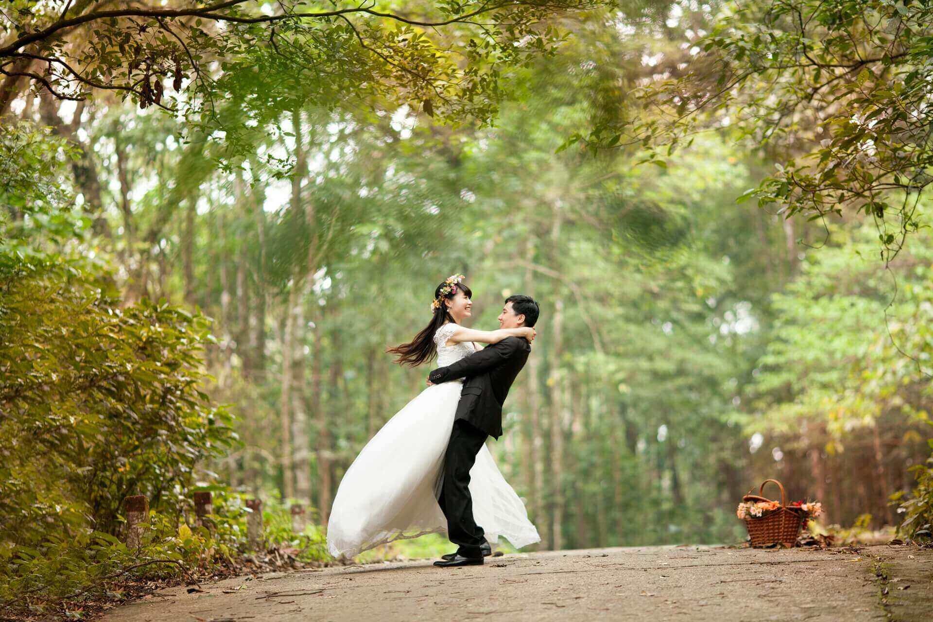Western custom of the white wedding